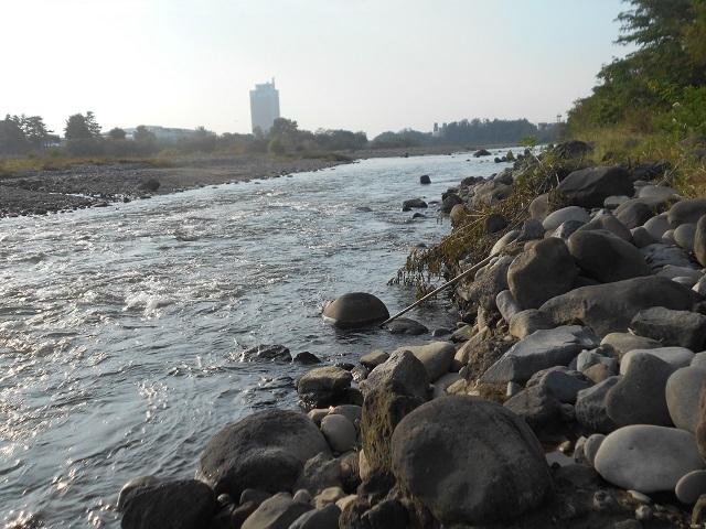 写すDSCN32121012大渡橋下釣り場入り口より下流を.jpg