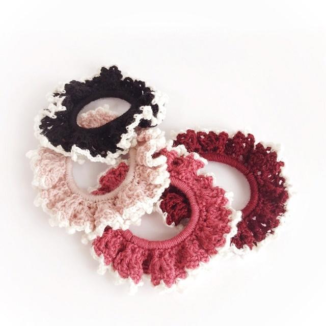 手編み雑貨 HanahanD ウールのフリルシュシュ ヘアアクセサリー