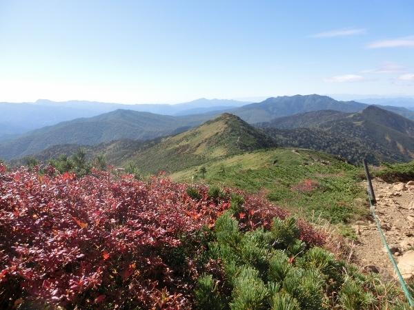 紅葉と小至仏山