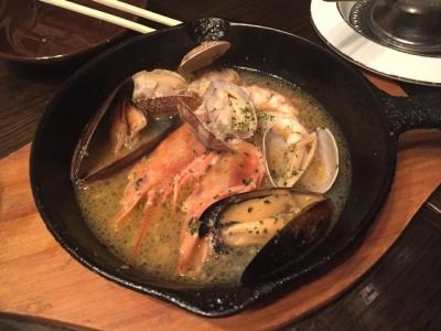 170711yaesu海老バル有頭赤海老とアサリとムール貝の白ワイン蒸し780円