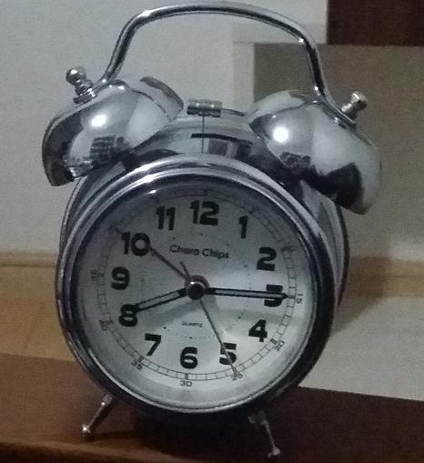 目覚まし時計 ジリリ