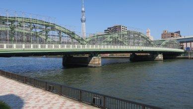 厩橋・3径間綱製下路式タイドアーチ橋