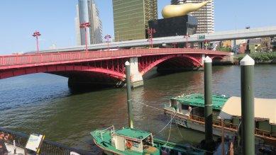 吾妻橋・3径間綱製ソリッドリブタイドアーチ橋