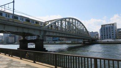 総武線隅田川橋梁・3径間ゲルバー下路式ランガー桁橋