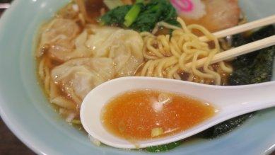 出汁とワンタン&麺
