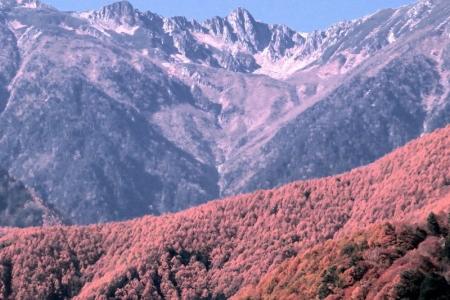 宝剣岳・千畳敷カールと紅葉d_1