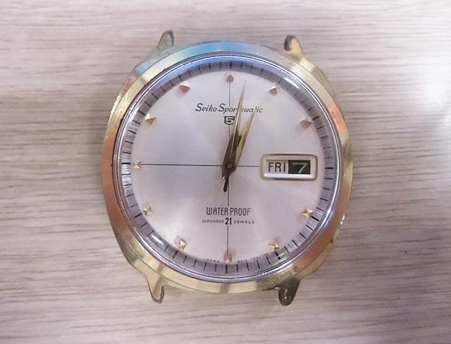 1-ジャンクの時計