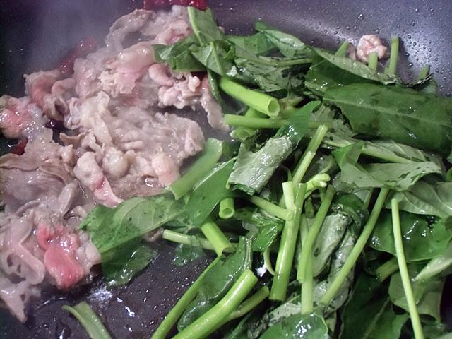 空芯菜と牛こま切れ