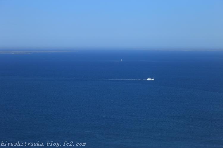 歯舞群島 水晶島・貝殻島(灯台)・勇留島方向-SN