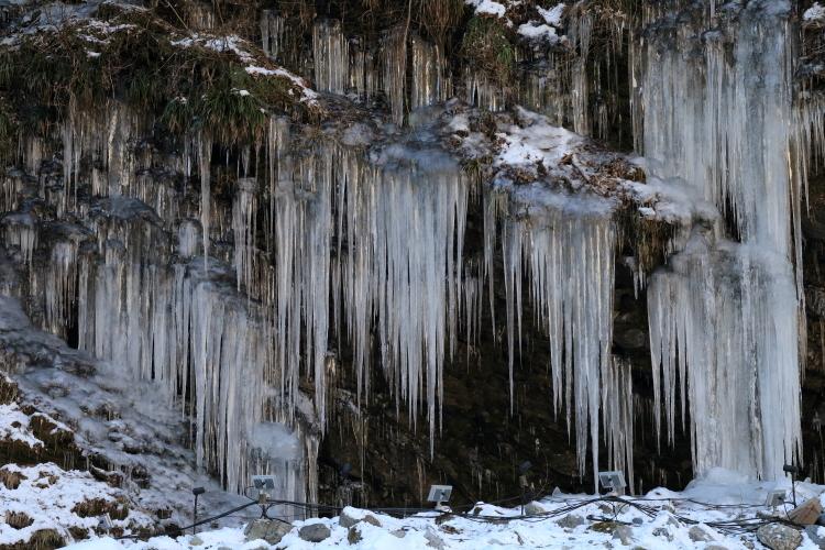 三十槌の氷柱7-S