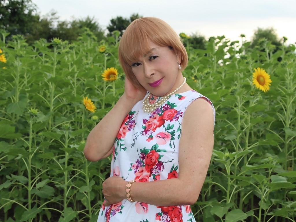 白地に花柄のワンピG(2)