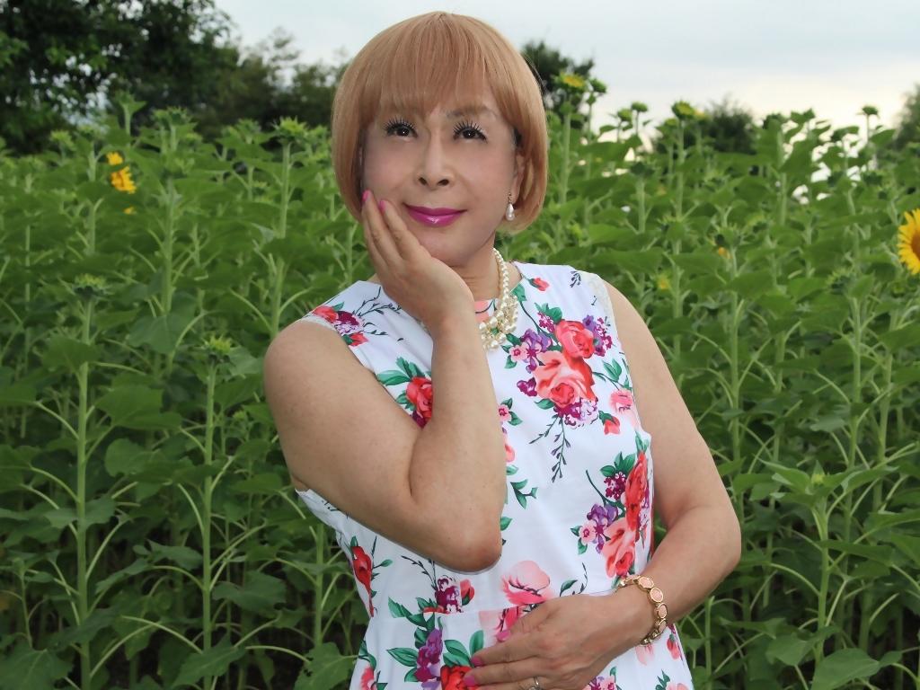 白地に花柄のワンピG(3)