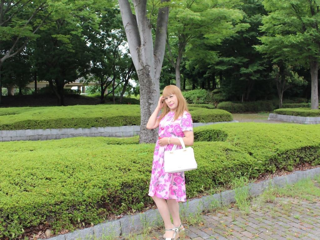 ピンクの薔薇柄ワンピA(6)
