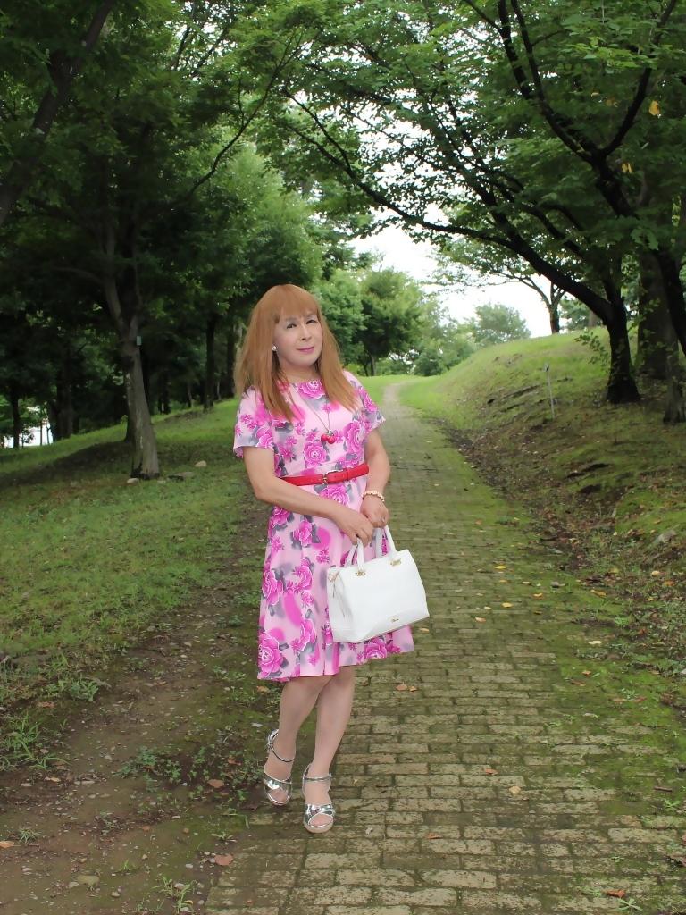 ピンクの薔薇柄ワンピA(8)