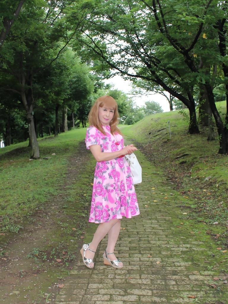 ピンクの薔薇柄ワンピA(9)