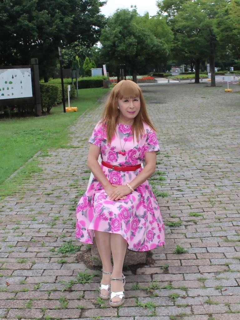 ピンクの薔薇柄ワンピB(1)