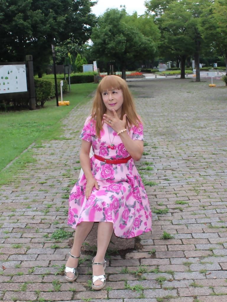 ピンクの薔薇柄ワンピB(3)