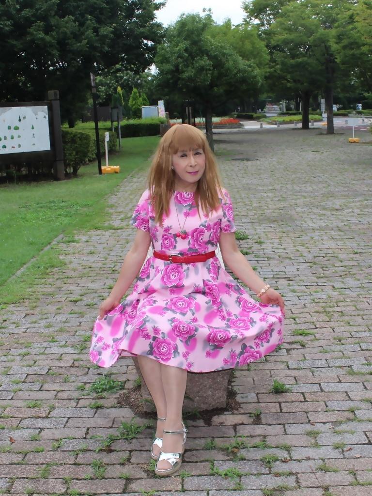 ピンクの薔薇柄ワンピB(4)