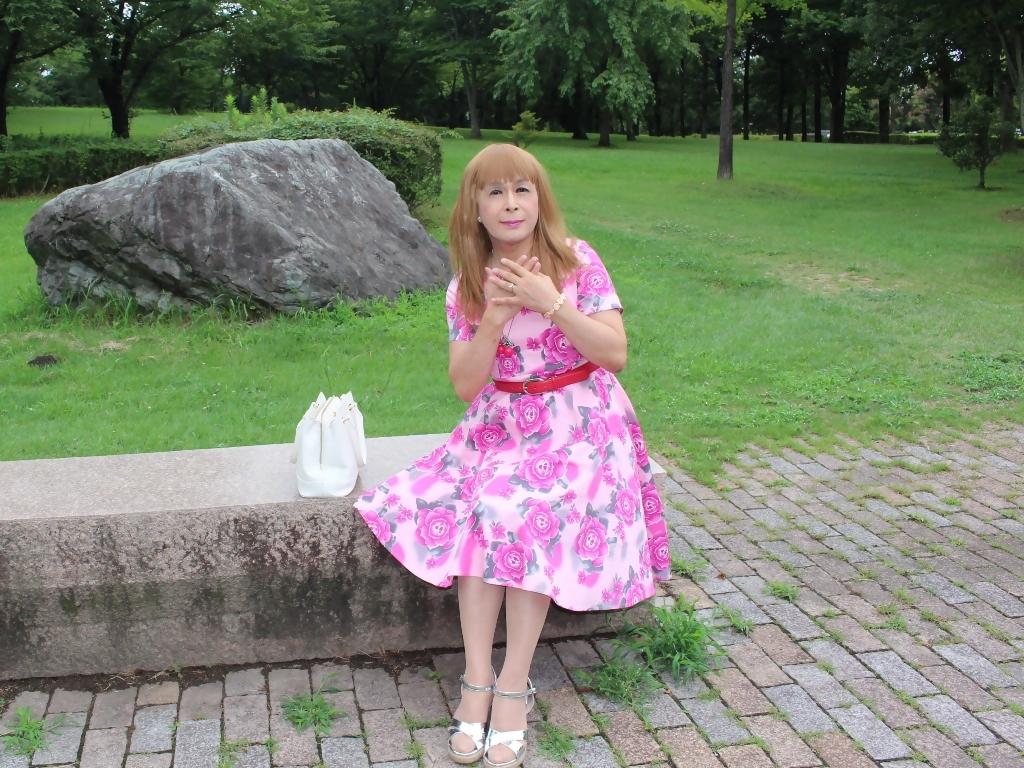 ピンクの薔薇柄ワンピB(8)