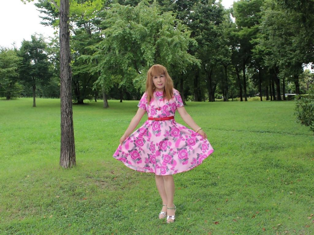ピンクの薔薇柄ワンピC(8)