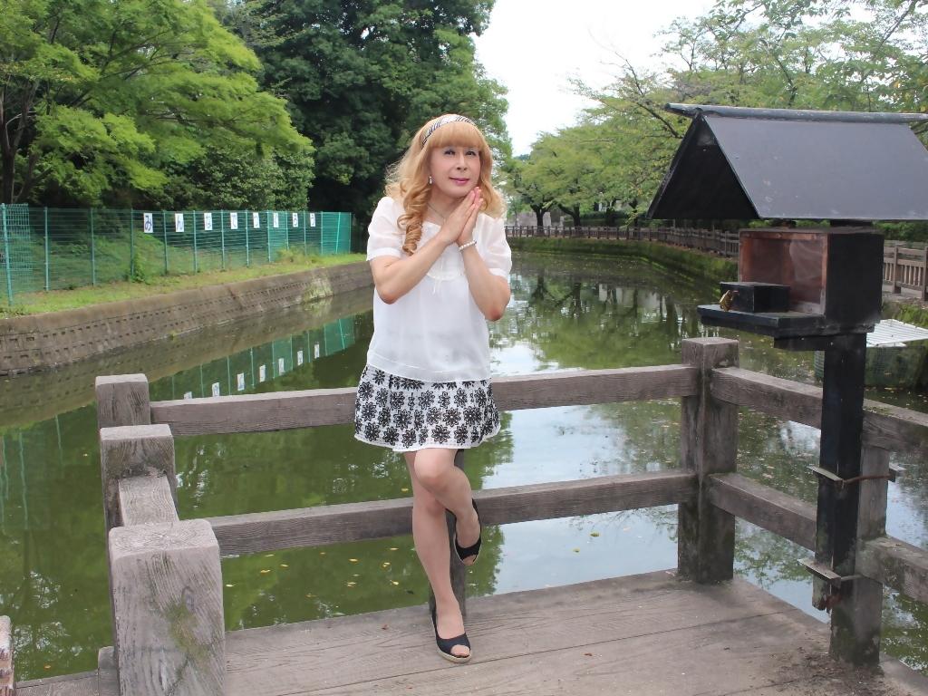 白トップス黒花柄ミニフレアーB(3)