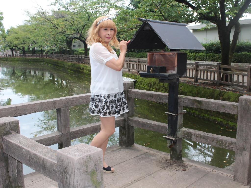 白トップス黒花柄ミニフレアーB(5)