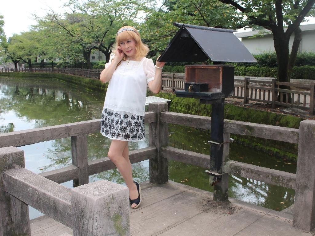 白トップス黒花柄ミニフレアーB(6)