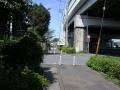 西新井宿940-4首都高と122号との合流部・川口ジャンクション南端(とん太前)を見る・首都高下側道から