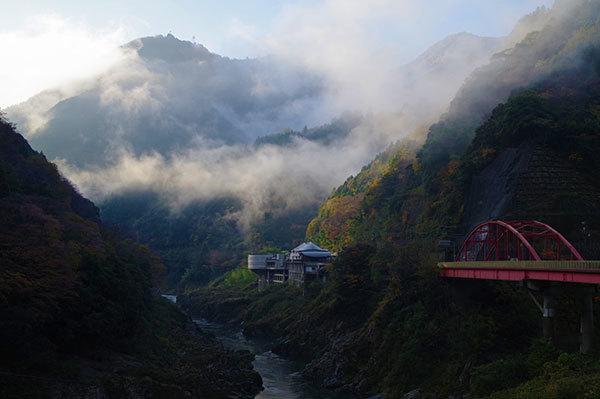 大歩危の吉野川の霧
