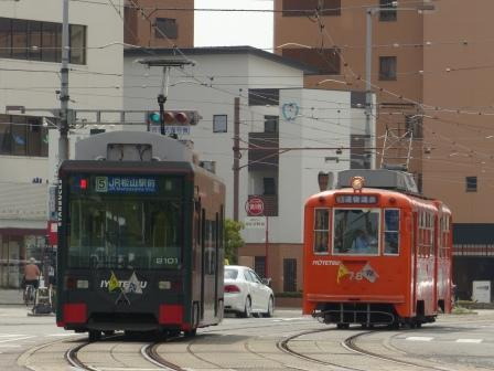 伊予鉄道・市内電車 2100形 & 50形