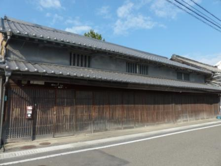 伊予鉄道・郡中線 郡中駅付近の古い街並み 1
