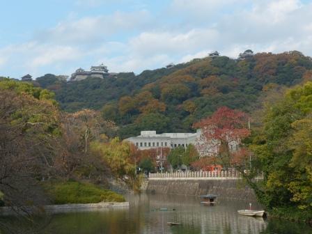 堀端の紅葉 & 松山城 1