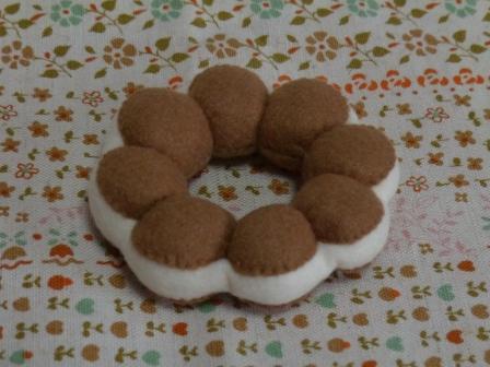 フェルト・ドーナツ ポポラ チョコクリーム 2