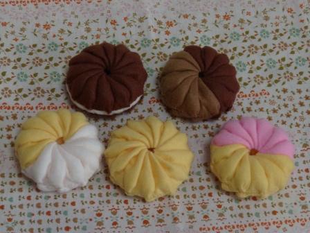 フェルト・ドーナツ フワラ 4種類 + チョコ ショコラ 1