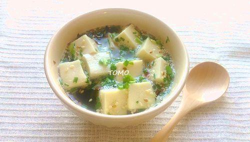高野豆腐のわかめスープ