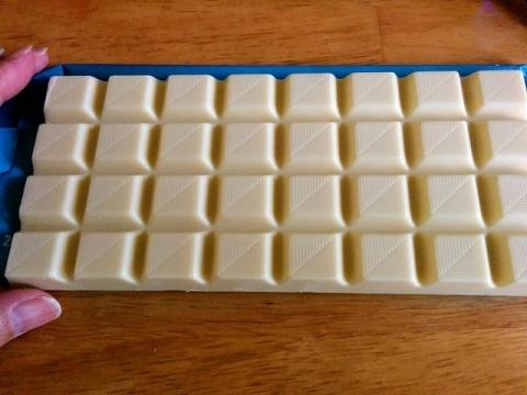 ドイツ製ASDAのホワイトチョコレート2