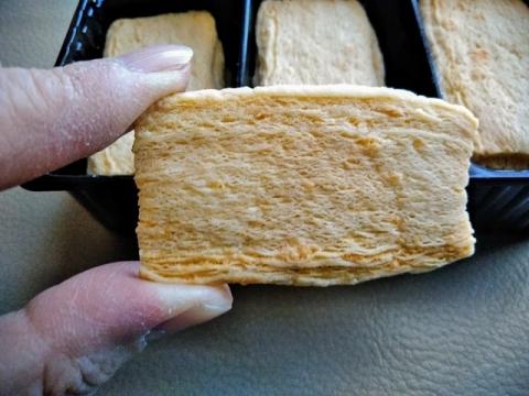 オランダ製ロカ社のゴーダチーズクリスプ3