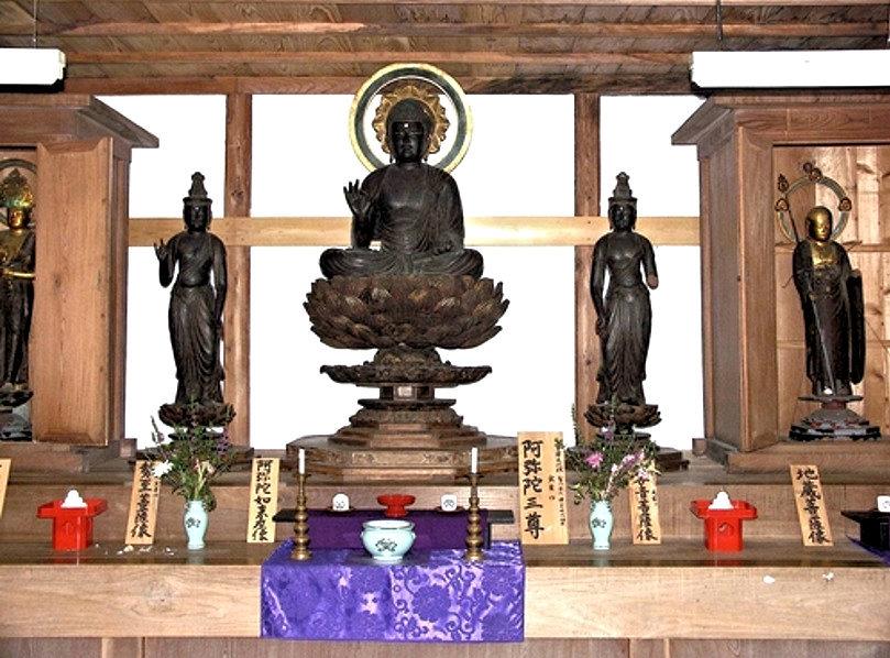 桑原薬師堂に祀られていた頃の実慶作・阿弥陀三尊像