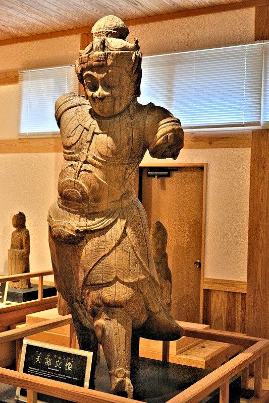 南禅寺・二天像(県指定文化財)