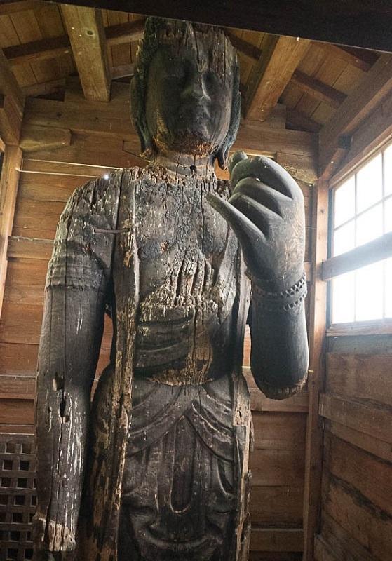 土沢神社・十一面観音像(平安・県指定)