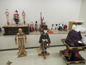 ギャラリーと化した控室。