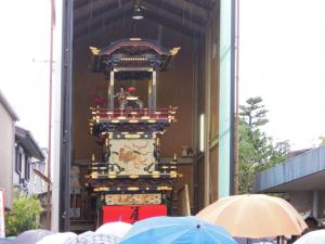 枝町山車蔵でのからくり人形の披露