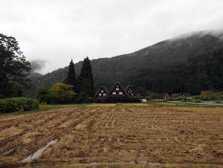 白川郷の雨まで旅の魅力に5