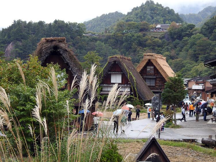 白川郷 どぶろく祭りは今月19日まで4