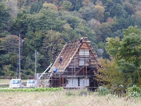 かん町附近 屋根の葺き替え風景2