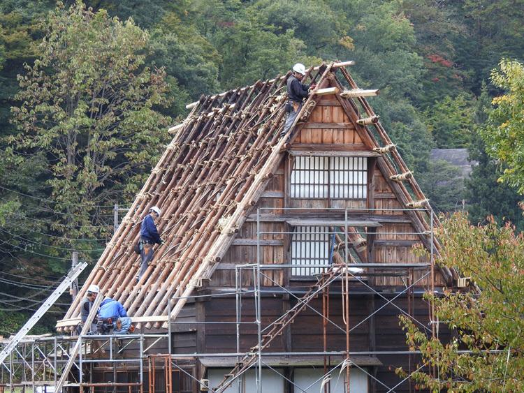かん町附近 屋根の葺き替え風景3
