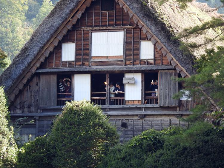 山に囲まれた飛騨 白川郷だけに、「紅葉」も見どころのひとつ7