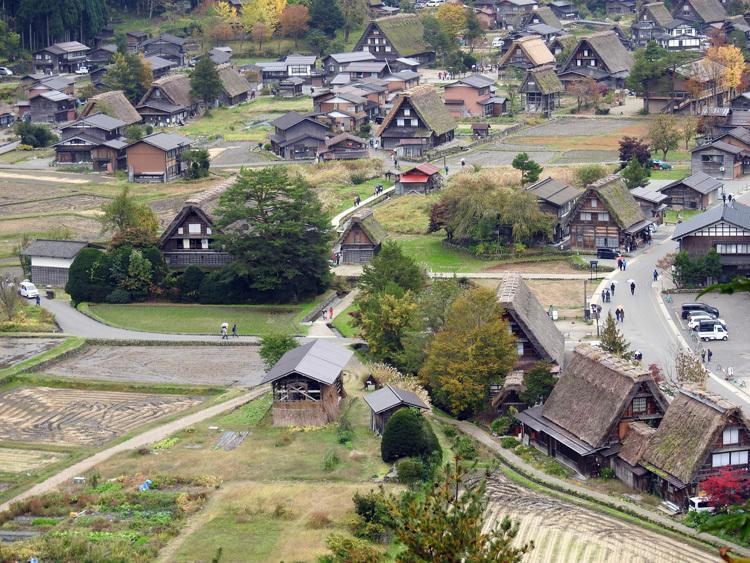 世界遺産白川郷の秋を楽しむやすらぎの旅行1