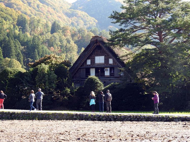 世界遺産白川郷の秋を楽しむやすらぎの旅行10