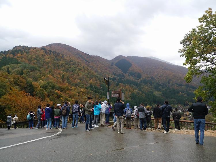 11月の3連休 紅葉の色づき 肌寒くなってくる季節 白川郷で満喫2